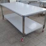 tavolo su ruote 200x100